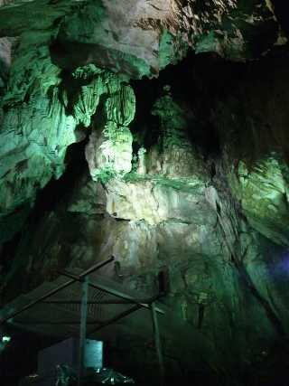 鍾乳洞内の写真1
