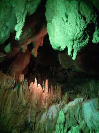 鍾乳洞内の写真2
